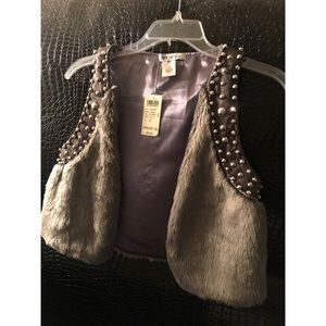 Brand new Arden B grey faux fur studded vest